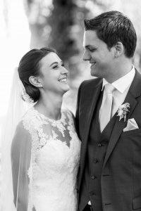 Hochzeit Hermannsdorf Irina Rott Hochzeitsfotograf glücklich brautpaar